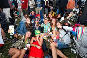 Rolling Stones: Fans wait for the Stones to start playing