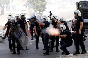 Turkey protests: Riot police fire tear gas at protesters in Ankara