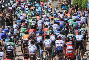 TDF: The peloton leaves the start of stage one