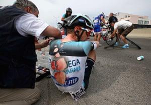 TDF: Omega Pharma-Quick Step team rider Tony Martin is injured