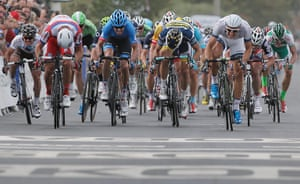 TDF: The pack sprint for the line