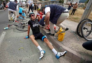 TDF: Team Sky's Geraint Thomas looks to be in a bit of pain
