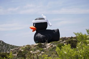 TDF: A giant inflatable duck