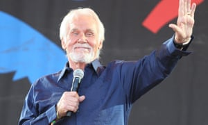 Kenny Rogers at Glastonbury 2013 brings the charm.