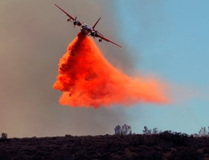 24 hours in pictures: California wildfire