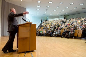 Chancellor candidate of the SPD, Peer Steinbrueck, delivers his speech on 'Guidelines of social democratic Foreign and Security Policy' at the auditorium 1a of the Free University of Berlin in Berlin, Germany, 04 June 2013.