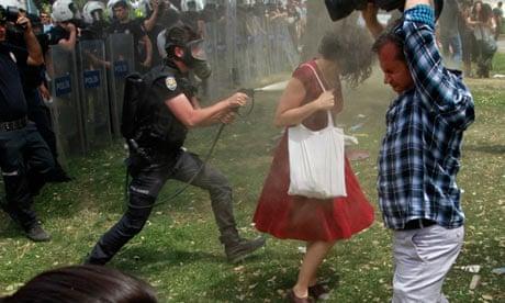 [Image: Turkish-riot-policeman-us-010.jpg?w=620&...a825e9f5d1]