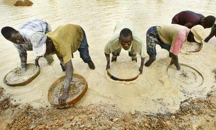 Miners pan for diamonds