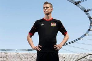 2013/14 kits 2: Bayer Leverkusen new home kit