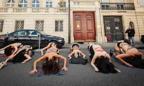 French Femen outside Tunisia embassy in Paris 5 June 2013