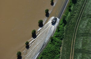 flooding: Floods in Saxony - Strehla