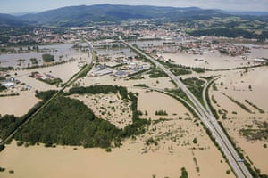 flooding: The highway crossing