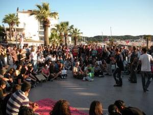 Turkey demonstrations: group in ayvalik