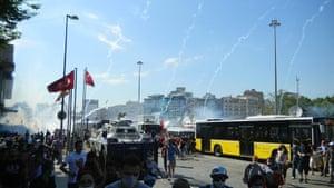 Turkey demonstrations: teargas bombs falling