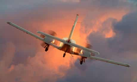 A twin engine plane