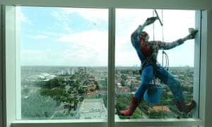 spider man window cleaner in Indonesia