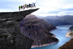 Trolls tongue stunt: Daredevil adventurers create potentially fatal stunts on the tip of the Tro