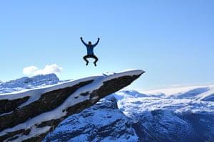 Trolls tongue stunt: Leap of faith