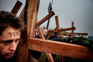 Tough Guy - Weekend: Tough Guy race. Men who carry a wooden cross are allowed to start earlier.