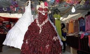 Jordan-refugee-camp-wedding-dresses