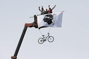 cycling fans: cycling fans