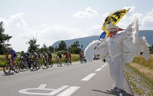 cycling fans: The pack of riders