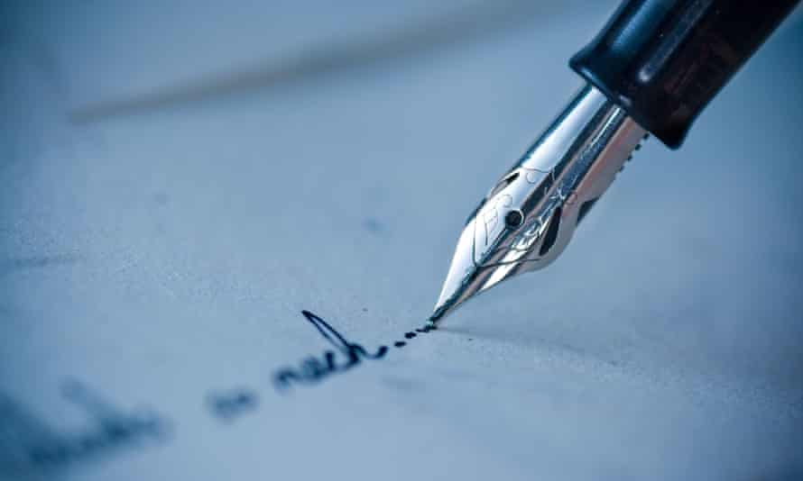 Writing for 20 minutes a day about a traumatic event accelerated the healing of physical wounds, researchers found.