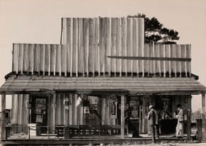 Walker Evans: Country Store and Gas Station, Alabama, 1936