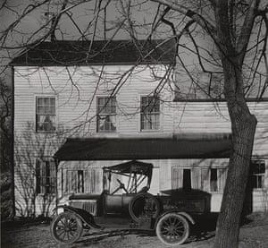 Walker Evans: Farmhouse in Westchester County, New York, 1931