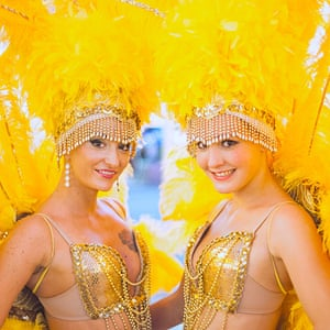 Las Vegas in pictures: Two girls dressed as showgirls