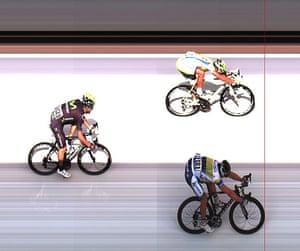Tour de France stage 3:  Simon Gerrans wins