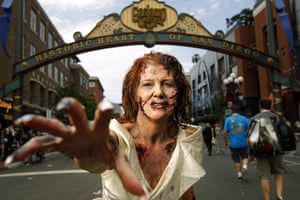 "Comic-con: An actress dresses as a ""walker"""