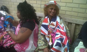 Sharon McEwan and Gladys Richardson waiting to see the royal baby.