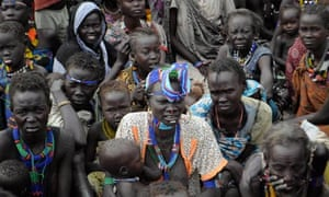 MDG: Jonglei, state, South Sudan, where local people wait in for emergency food rations