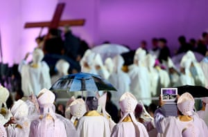 Pope in Brazil: Bishops participate in the inaugural mass of the World Youth Day