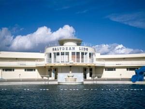 swimming pools: Saltdean Lido pool, East Sussex