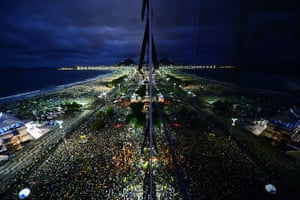 Pope Brazil updated: Thousands of young people gather at Rio de Janeiro's Copacabana beachfront
