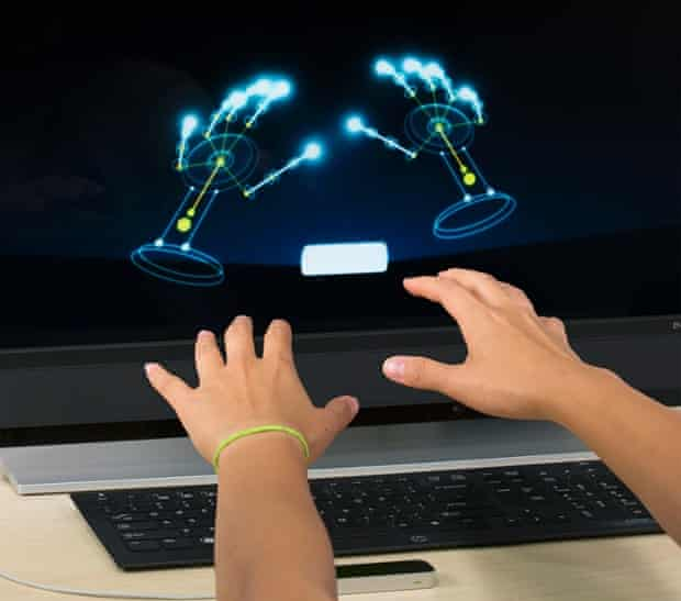 The Leap's introduction orientation demo in action. Photograph: Leap Motion.