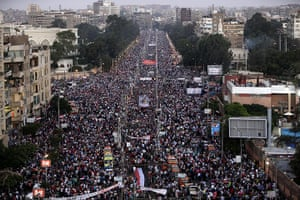 Cairo clashes: Mass Morsi support