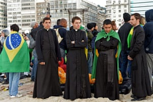 Pope's beach mass: Pope Francis' beach mass in pictures