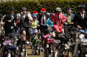 Brompton Gallery: They're Off