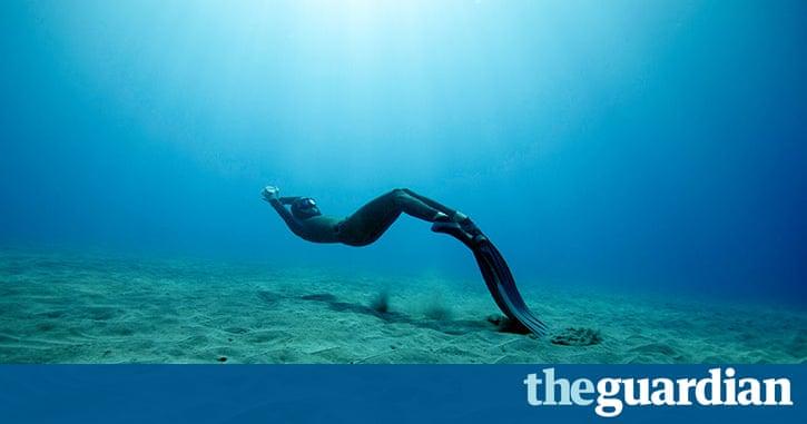 Freediving the magic of exploring the ocean on a single - Bureau de change international strasbourg ...