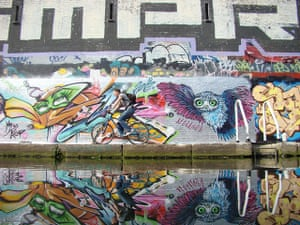 Zadie Smith: Cycling on the Hertford Union Canal