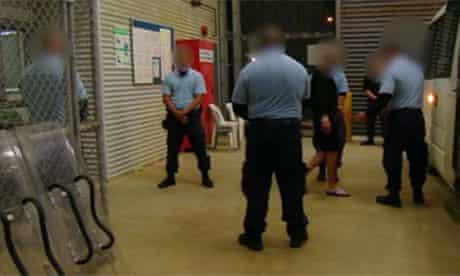 Asylum seekers transferred to Manus Island