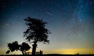 Perseids: breathtaking timelapse video of meteor shower over