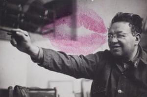 Frida Kahlo Snaps: Studio