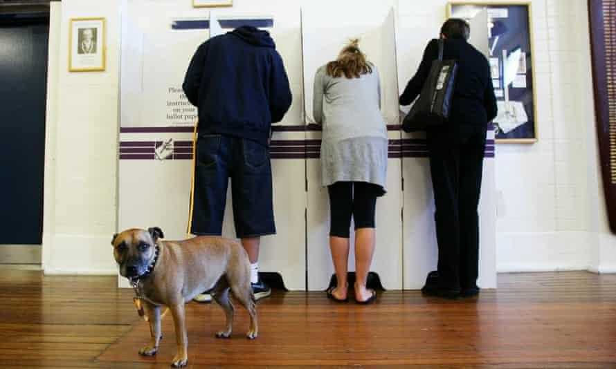 Australians voting in Sydney in 2010.