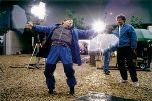 Polanski: Roman Polanski shows a stuntman how to fall
