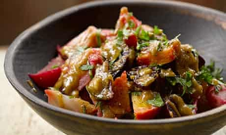 Hugh Fearnley-Whittingstall's beetroot with garlic and walnut dressing