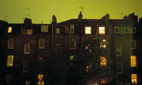 London houses at night